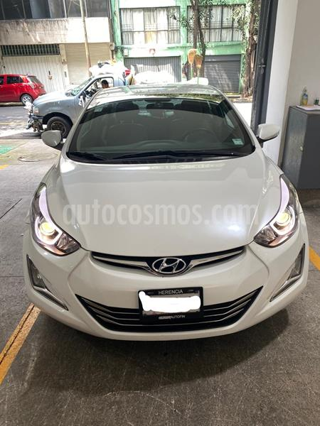 Hyundai Elantra Limited Aut usado (2015) color Blanco precio $185,000