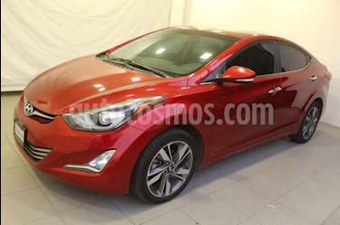 Hyundai Elantra 4p Limited Tech Navi L4/1.8 Aut usado (2016) color Rojo precio $189,000