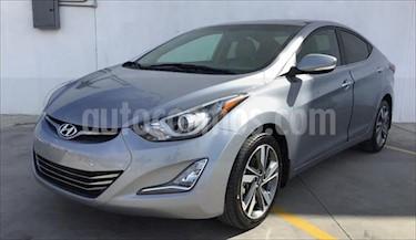 Hyundai Elantra LIMITED TECH NAVI L4/1.8 usado (2016) color Gris precio $215,000