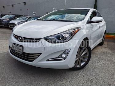 Hyundai Elantra GLS Aut usado (2015) color Blanco precio $185,000