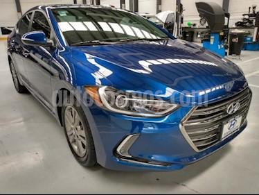 Hyundai Elantra 4P GLS PREMIUM 2.0L TA A/AC. F. LED RA-16 usado (2017) color Azul precio $211,000