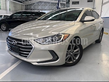 Hyundai Elantra GLS Premium usado (2017) color Bronce precio $230,000