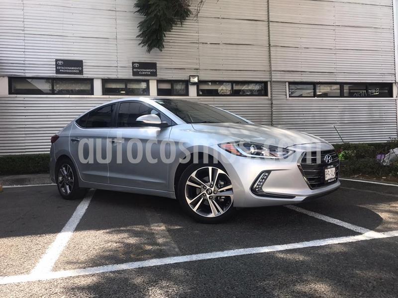 Hyundai Elantra Limited Tech Navi Aut usado (2017) color Plata Dorado precio $248,000