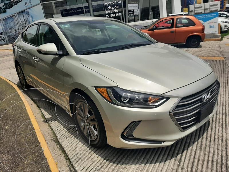 Foto Hyundai Elantra GLS Premium usado (2018) color Beige precio $239,000