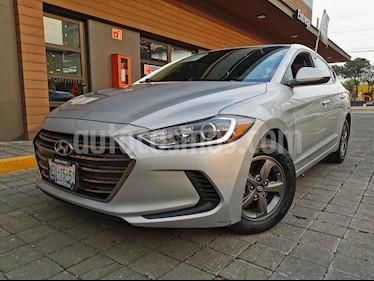 Hyundai Elantra GLS usado (2017) color Plata precio $205,000