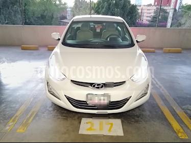 Hyundai Elantra Limited Aut usado (2015) color Blanco precio $189,000