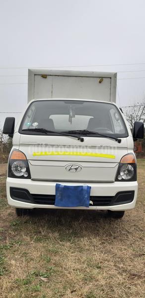 Hyundai H-100 2.5L TDI Alta Cubierta usado (2012) color Blanco precio u$s14,000