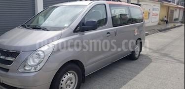 Hyundai H1 2.5L 12 Pas  usado (2014) color Plata precio u$s25.000