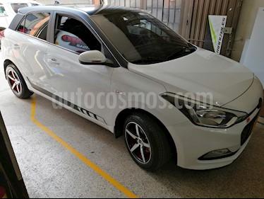 Hyundai i20 Premium usado (2017) color Blanco precio $39.500.000