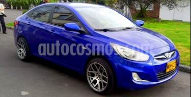 Hyundai i25 Sedan 1.4 usado (2013) color Azul Oceano precio $28.500.000