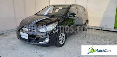 Foto venta Carro usado Hyundai i25 1.4 (2015) color Negro Phantom precio $30.990.000