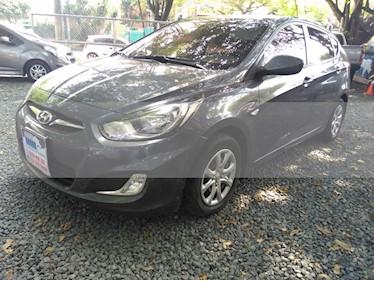 Foto venta Carro usado Hyundai i25 1.4 (2013) color Gris precio $32.000.000