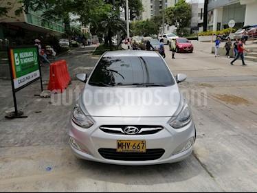 Hyundai i25 1.6 usado (2012) color Plata precio $27.000.000