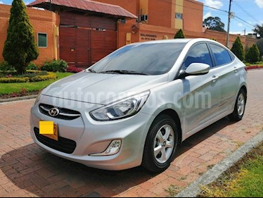 Hyundai i25 1.6 Full usado (2016) color Plata precio $20.400.000