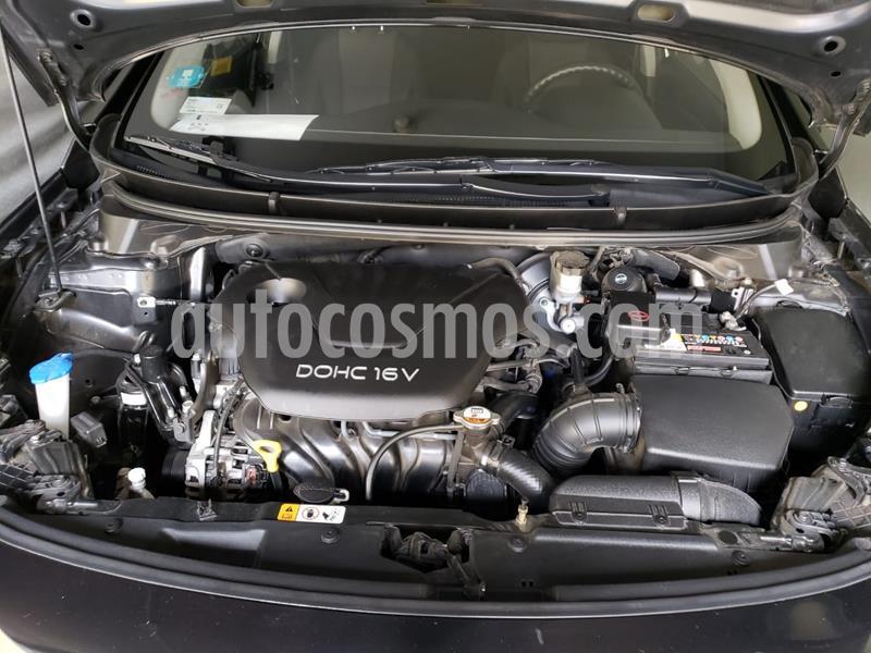 Hyundai i30 GLS 1.6L 5P usado (2013) color Negro precio $14,000