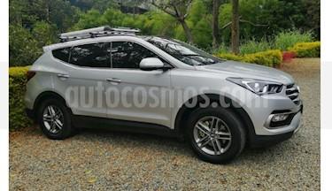 Foto venta Carro usado Hyundai Santa Fe 2.4 4x2 7 Pas. (2016) color Gris precio $75.000.000