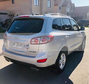 Hyundai Santa Fe 2.4 GLS 4x2 usado (2011) color Gris precio $6.600.000