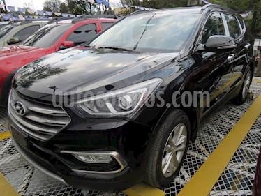 foto Hyundai Santa Fe 2.4 4x2 7 Pas. usado (2017) color Negro precio $94.900.000