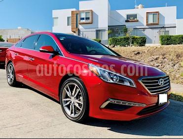 Hyundai Sonata Limited NAVI usado (2015) color Rojo precio $235,000
