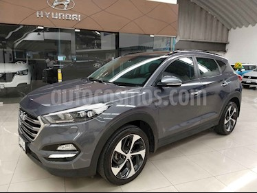 Hyundai Tucson Version usado (2017) color Gris precio $342,000