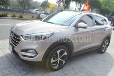 Hyundai Tucson 5p Limited Tech Navi L4/2.0 Aut usado (2017) color Dorado precio $342,000