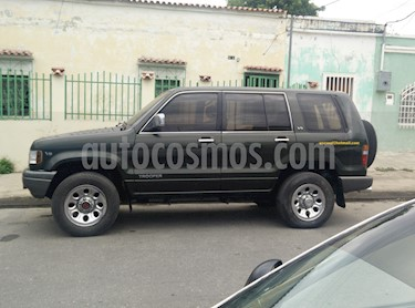 Foto venta carro Usado Isuzu Trooper Version sin siglas V6 3.2i 24V (1992) color Verde precio u$s1.250