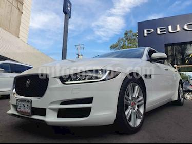 Jaguar XE XE Pure Tech L4/2.0/T Aut usado (2016) color Blanco precio $450,000