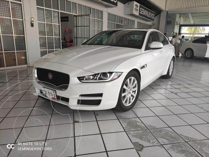 Foto Jaguar XE XE PURE TECH L4/2.0/T AUT usado (2016) color Blanco precio $435,000