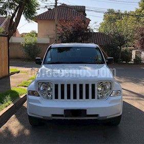 Jeep Cherokee Liberty 3.7 Limited Aut 5P usado (2012) color Blanco precio $8.600.000