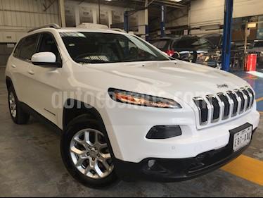 Foto venta Auto usado Jeep Cherokee 5p Latitud 4x2 L4/2.4 Aut (2015) color Blanco precio $290,000