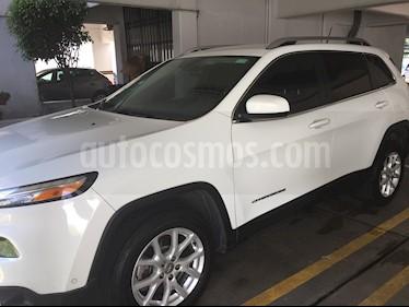 Jeep Cherokee Latitude usado (2015) color Blanco precio $245,000