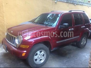 Foto venta carro usado Jeep Cherokee Limited 3.7L Aut 4x4 (2006) color Rojo precio u$s3.100