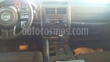 Foto venta carro usado Jeep Cherokee Limited 4x4 (2011) color Negro precio BoF7.300