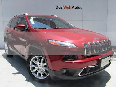 Jeep Cherokee Limited usado (2015) color Rojo Cerezo precio $225,000