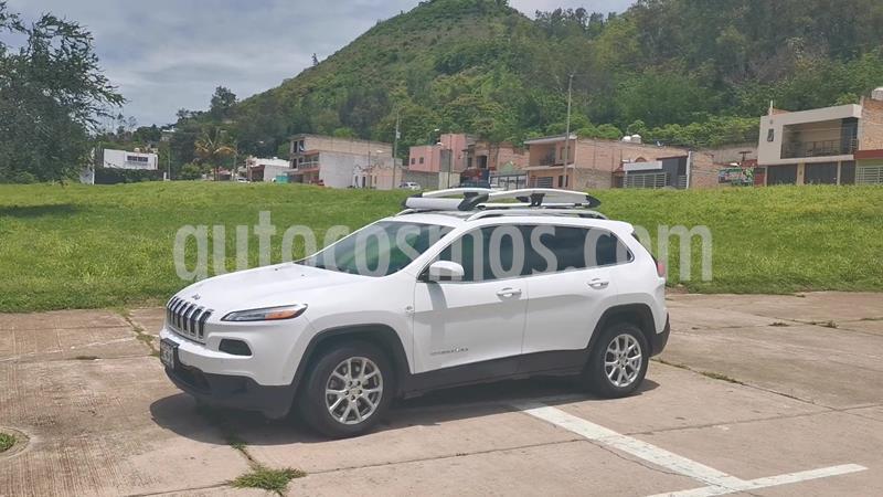 Jeep Cherokee Latitude usado (2014) color Blanco precio $225,000