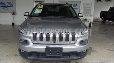 Jeep Cherokee Latitude usado (2015) color Plata precio $255,000