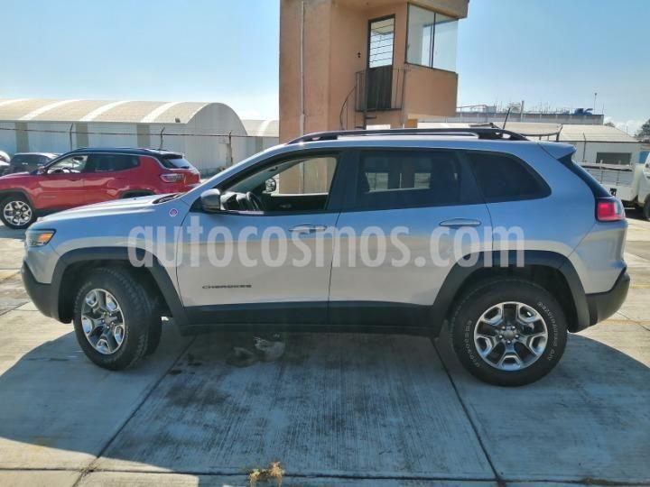 Jeep Cherokee TrailHawk usado (2019) color Plata Dorado precio $555,000