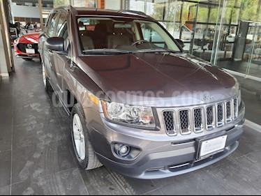 Jeep Cherokee Latitude usado (2016) color Granito precio $215,000