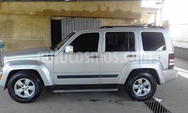 Foto venta carro Usado Jeep Cherokee Sport 3.7L Aut 4x4 (2009) color Plata