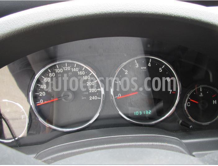Jeep Cherokee Sport 3.7L Aut 4x4 usado (2010) color Negro precio BoF12.000