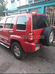 Jeep Cherokee Limited 4x4 usado (2005) color Rojo precio BoF4.500.000