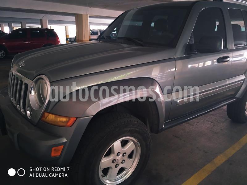 Jeep Cherokee Limited 3.7L Aut 4x2 usado (2006) color Gris precio BoF4.500