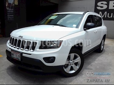 foto Jeep Compass 4x2 Latitude Aut usado (2015) color Blanco precio $185,000