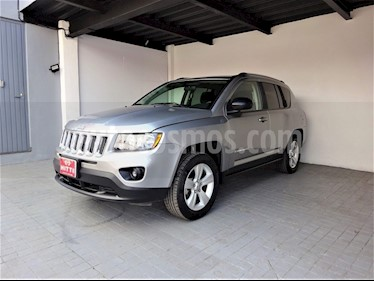 Foto venta Auto usado Jeep Compass 4x2 Latitude Aut (2014) color Plata precio $205,000