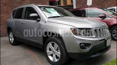 Foto venta Auto usado Jeep Compass 4x2 Latitude Aut (2014) color Plata precio $198,000
