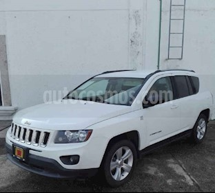Foto venta Auto usado Jeep Compass 4x2 Latitude (2016) color Blanco precio $220,000