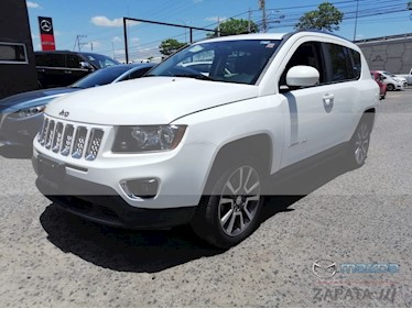 Foto Jeep Compass 4x2 Limited Aut usado (2015) color Blanco precio $245,000