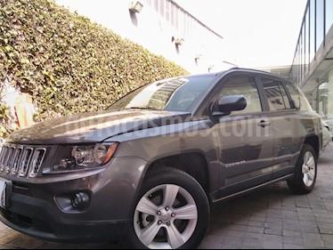 Foto venta Auto usado Jeep Compass 5p Latitud 4x2 L4/2.4 Man c/Cam (2014) color Gris precio $195,000