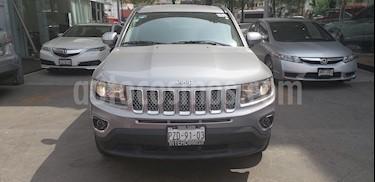Foto venta Auto usado Jeep Compass Limited (2017) color Plata precio $321,000