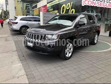 Jeep Compass 5p Latitud 4x2 L4/2.4 Aut c/Cam y B/A usado (2015) color Gris precio $219,000